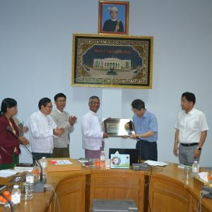 Visiting Professor Dr Wong Keun Yoo and his party, Dargu Hanny  University of The Republic Of South Korea.